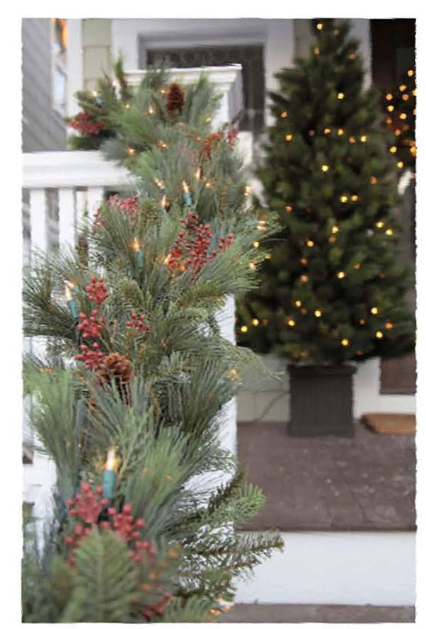 Holiday Wreaths and Garland Add Personality to your Decor