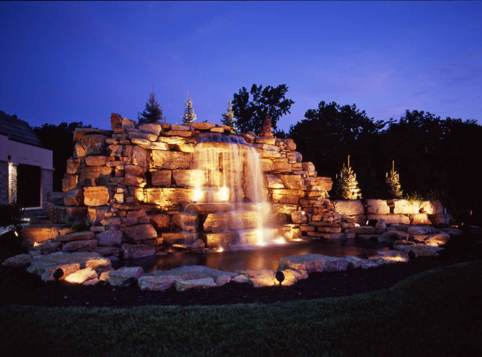 The Artful Techniques of Columbus Water Feature Lighting ...